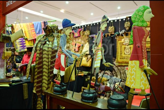 Kerajinan Handicraft yang ada di pameran Adi Wastra Nusantara 2015