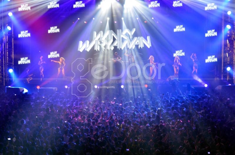 DJ Wingky Wiryawan Menghentak Panggung DWP 2014