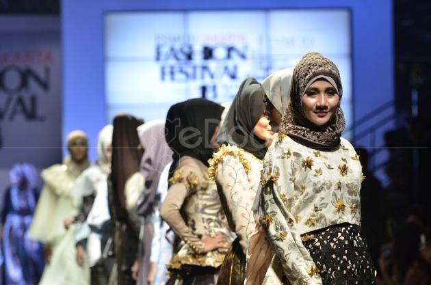 Lippo Malls Gelar Fashion Show ESMOD 2014
