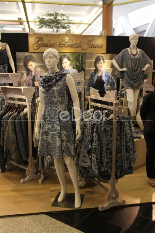 Batik Indigo Dari Galeri Batik Jawa