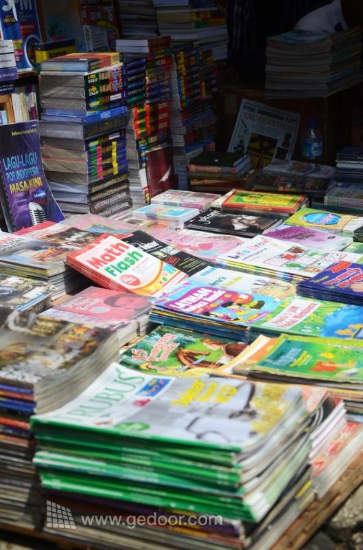Buku Bekas Ala Pasar Jatinegara