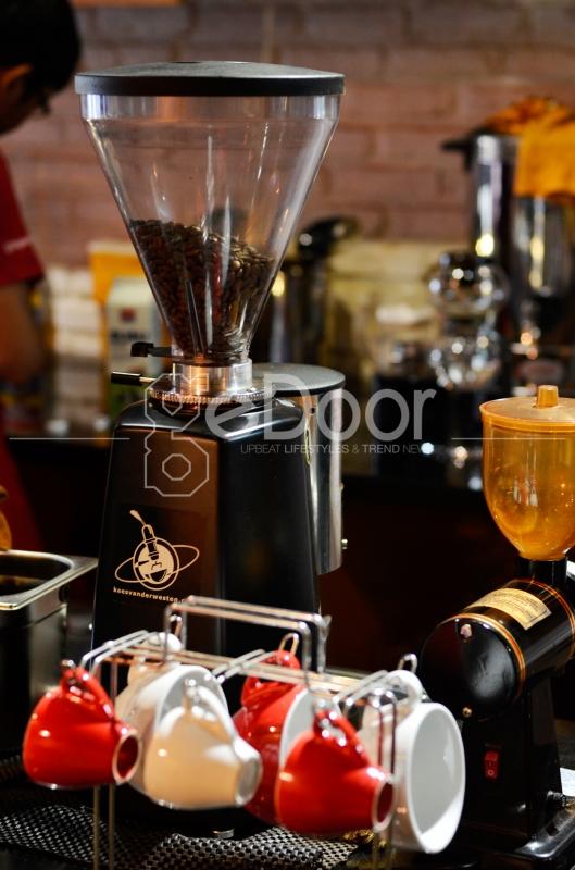 Di Coffee Shop Ini Anda Bisa Memasan Kopi Kintamani (Bali), Jawa dan Kalosi (Toraja), Gayo (Aceh)