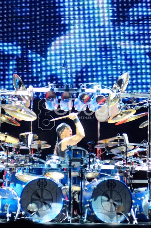 Mike Mangini Hadir Menggantikan Mike Portnoy Sebagai Penggebuk Drum Dream Theater