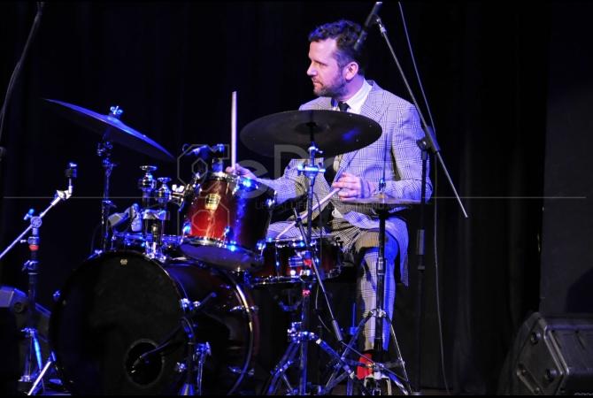 Aksi Joost Patocka Pada Drums Yang Mengundang Decak Kagum