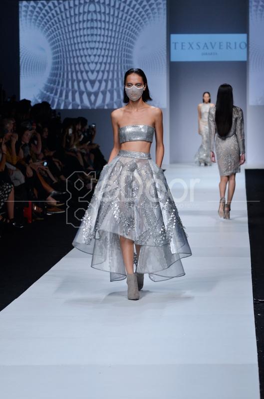 Puluhan Model Membawakan Koleksi Para Desainer Dengan Anggun Di Indonesia Fashion Forward