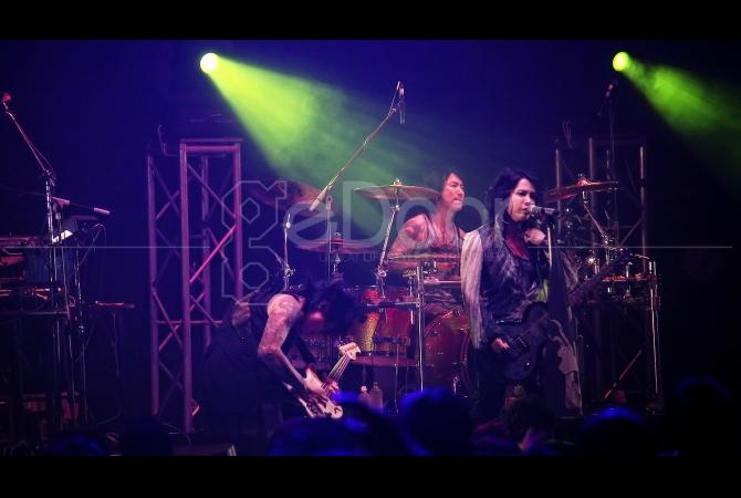 Band bentukan Hyde L'Arc~en~Ciel, Vamps tampil di Japan Night Festival