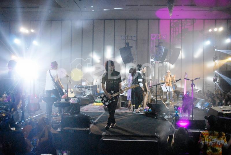 Konser Slank Revolusi Bunga: Generasi Wangi' Digelar Di Ballroom Hotel Ritz Carlton Pada 5 November 2014