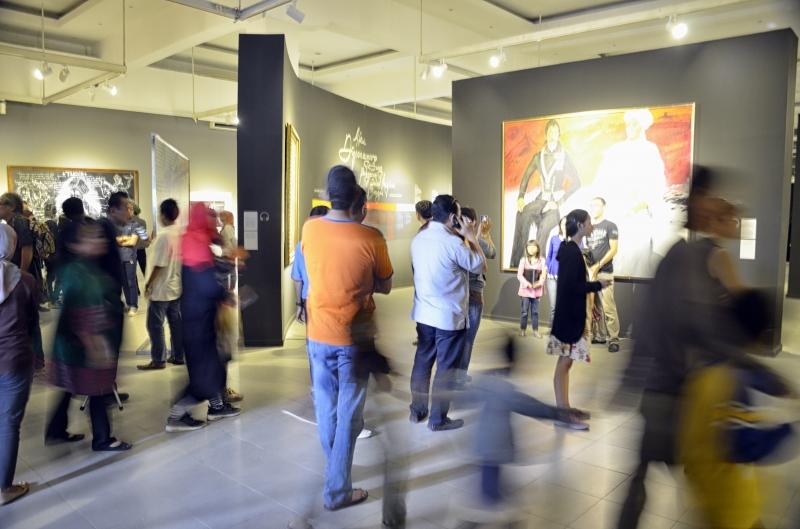 Daya Tarik Bagi Pengunjung Pada Pameran Ini Adalah Dari Jubah Asli Pangeran Diponegoro Yang Diletakkan Di Sebuah Ruangan Khusus