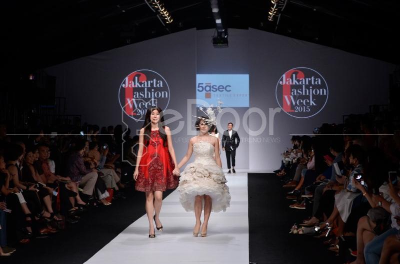 JFW 2015 Juga Dimeriahkan Oleh 10 Desainer International Inggris, Jepang, Thailand Dan Korea