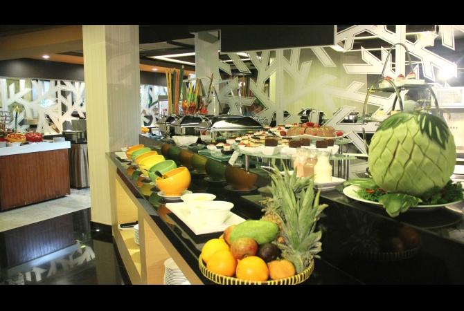 Pilihan menu Buffet mulai dari Traditional Food, Western Food, Japanese Food dan Chinese Food
