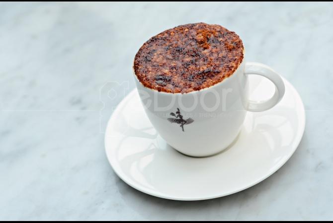 Creme Brulee Cappuccino salah satu minuman kopi yang ada di Oh La La