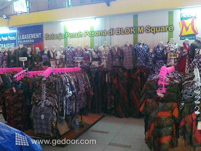 Pusat Batik Di Blok M Square