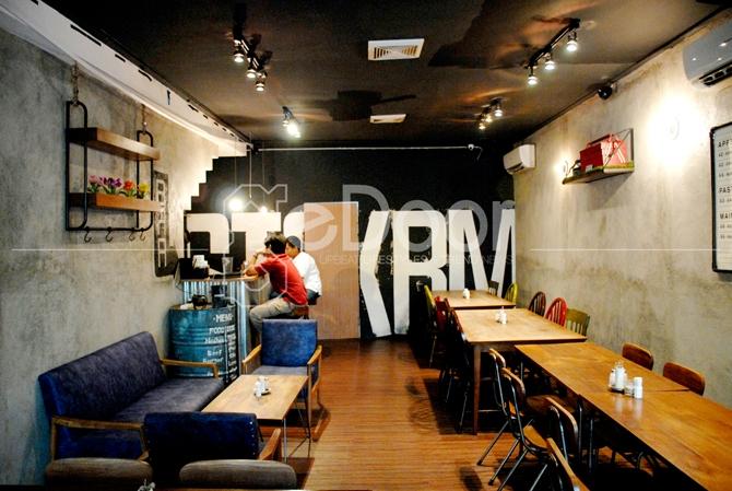 Stockroom Dominan Menyajikan Menu-Menu Western Comfort Food