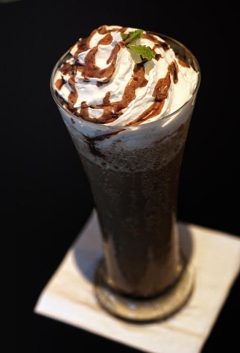 Minuman Choco Mint Dibandrol Dengan Harga Terjangkau Di Cafe Ini