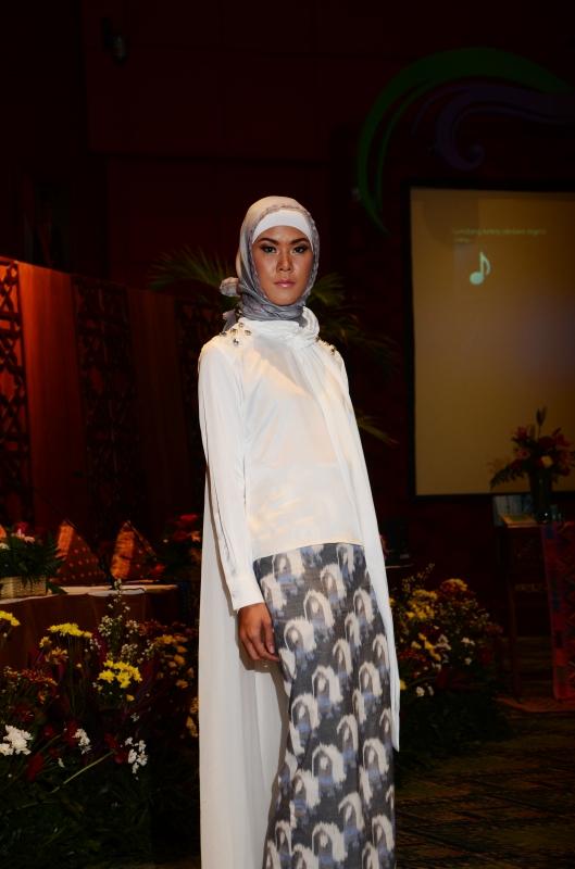 From Lambok To New York Terinspirasi Dari Kain Asal Nusa Tenggara Barat