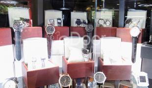 Cari Jam Tangan Ori Atau Kw, Senen Jaya Tempatnya!!