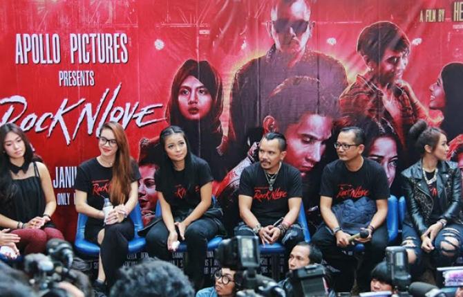 Film Rock N Love Menjadi Aksi Perdana Personil Band KOTAK Di Layar Lebar