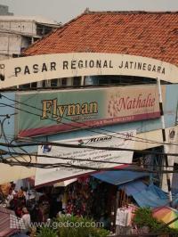 Aneka Ragam Barang Di Pasar Jatinegara Meester