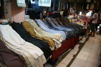 Bursa Pakaian Bekas Poncol Senen