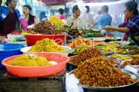 Pusat Takjil Dadakan Di Pasar Rawamangun