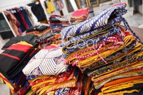 Tayada Populerkan Casual Batik