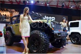 Jeep Wrangler Recon Dan Jeep Wrangler City Sleek Tampil Gahar Dengan Aksesoris Mopar Di IIMS 2013